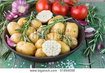 Potatoes for roasting with rosemary  and  garlic