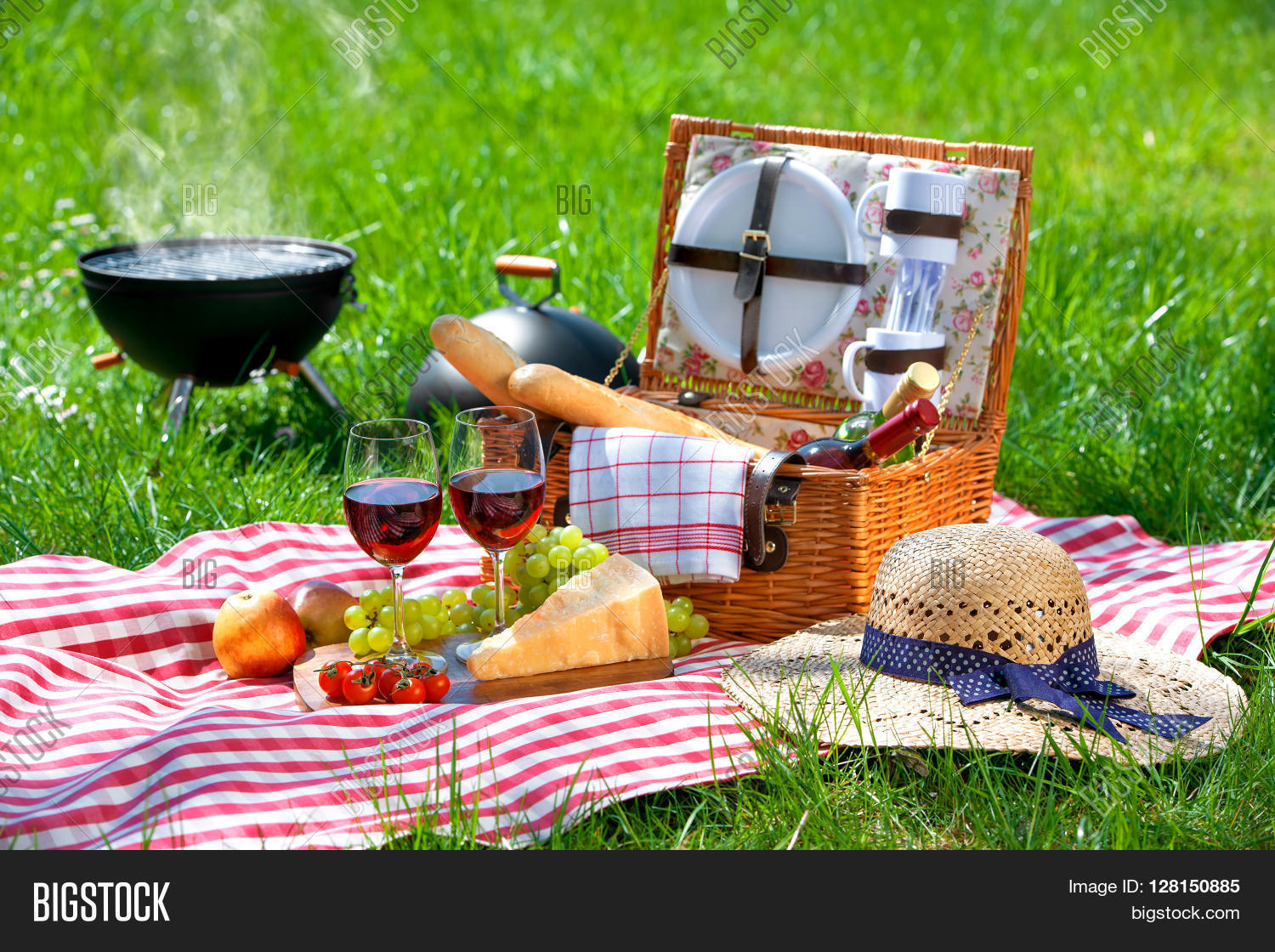 how to pack wine glasses for picnic