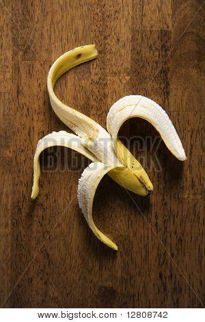 Stillleben mit halb gegessen Banane hautnah.