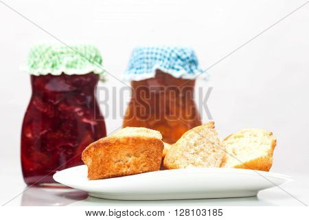 Jam preparation : Homemade jams and bread