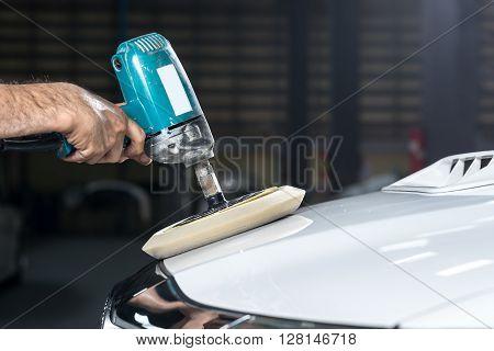 Car detailing series : Polishing white truck