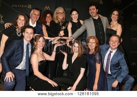 LOS ANGELES - APR 29:  ELLEN - Outstanding Interactive Media43rd Daytime Emmy Creative Awards at the Westin Bonaventure Hotel  on April 29, 2016 in Los Angeles, CA
