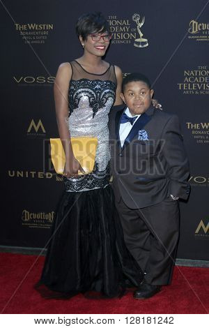 LOS ANGELES - APR 29:  Ebonice Atkins, Emmanuel Lewis at the 43rd Daytime Emmy Creative Awards at the Westin Bonaventure Hotel  on April 29, 2016 in Los Angeles, CA
