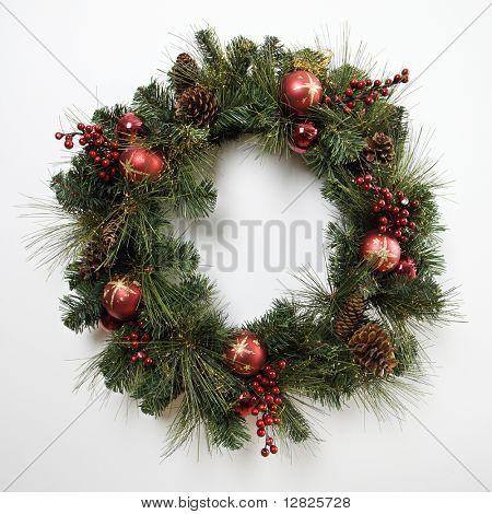 Naturaleza muerta de la guirnalda de la Navidad.