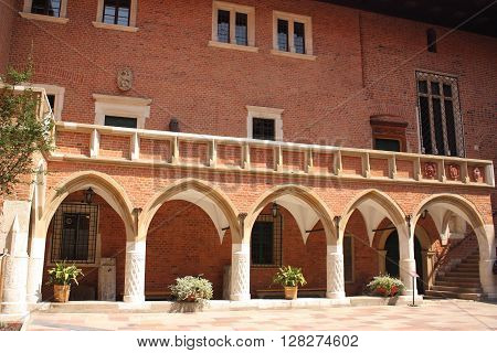 Poland, Wawel in Cracow, courtyard of the royal castle.