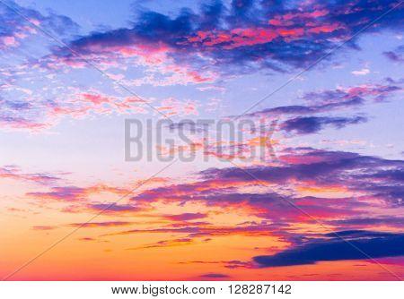 Idyllic Backdrop Setting Sun
