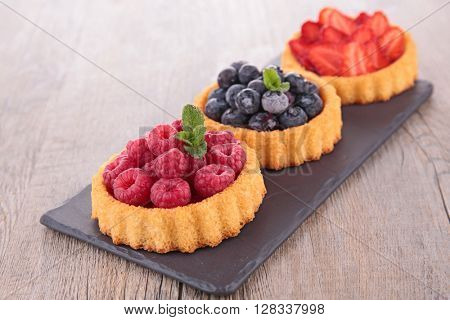 assorted berry cake