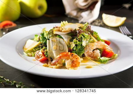 Grilled Shrimp and Pear Salad with Pine Nut Dressing
