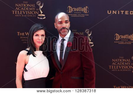 LOS ANGELES - MAY 1:  Finola Hughes, Donnell Turner at the 43rd Daytime Emmy Awards at the Westin Bonaventure Hotel  on May 1, 2016 in Los Angeles, CA
