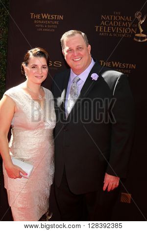 LOS ANGELES - MAY 1:  Patty Gardell, Billy Gardell at the 43rd Daytime Emmy Awards at the Westin Bonaventure Hotel  on May 1, 2016 in Los Angeles, CA