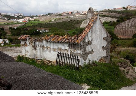Old abandoned house falling to bits, Spain