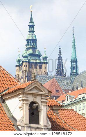 Czech Republic Prague _ View of St. Vitus Cathedral from Wallenstein Garden