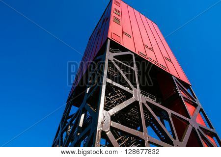 Drilling rig for geological prospecting