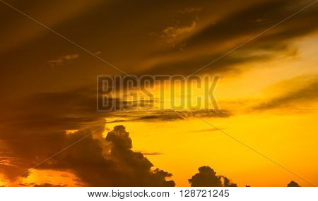 Colorful of sunset and pattern of cloud in the sky