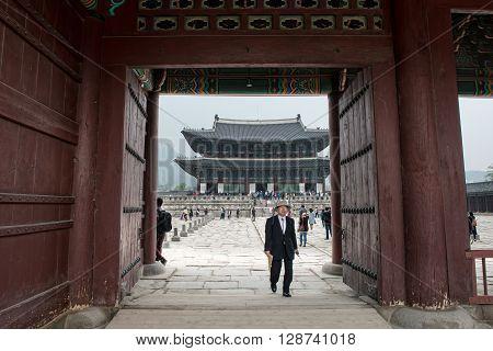 Seoul, South Korea - April 22, 2016: April 22, 2016 The Palace Doors In The Palace In Seoul, South K