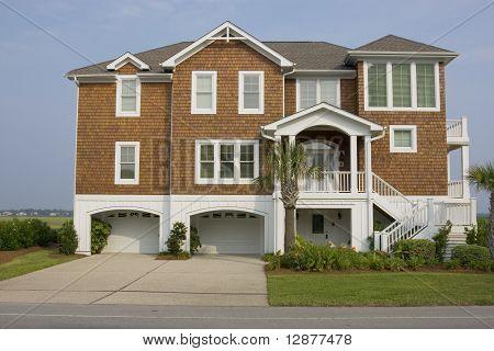 Luxurious coastal house