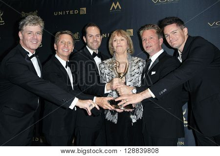 LOS ANGELES - APR 29: Outstanding Original Song, Drama, Bradley Bell, Toni Tennille at The 43rd Daytime Creative Arts Emmy Awards at the Westin Bonaventure Hotel on April 29, 2016 in Los Angeles, CA