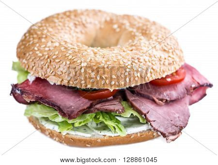 Bagel With Roast Beef (isolated On White)
