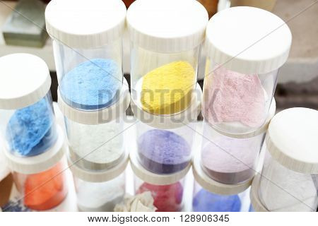 Shop for plastics, pigments painting. Coloured pigments painting