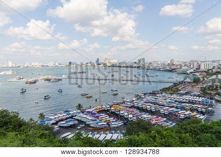 Pattaya,Chonburi, Thailand - November 27, 2015 : Boat and bridge at the harbor in Pattaya bay