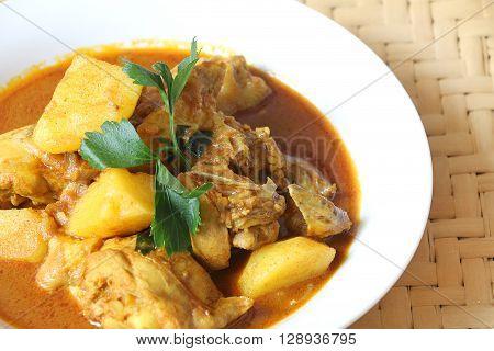 Chicken curry with potato, Malaysian recipe for Kari ayam