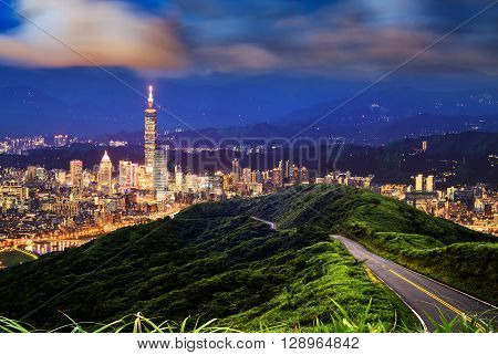Imageng Of Skyline Of Xinyi District In Downtown Taipei, Taiwan