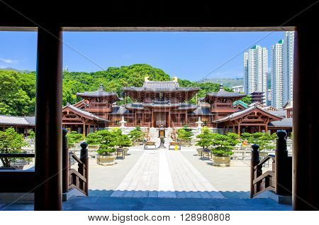 Hong Kong the Chi Lin antique monastry in the new Kowloon quarter
