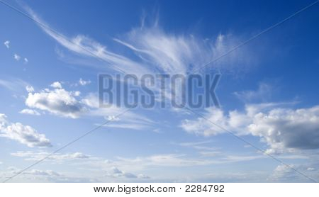 Dark Blue Sky And Cloud