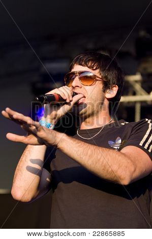 Example Performing At Lounge On The Farm