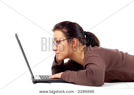 weiblich working auf Laptop # 21