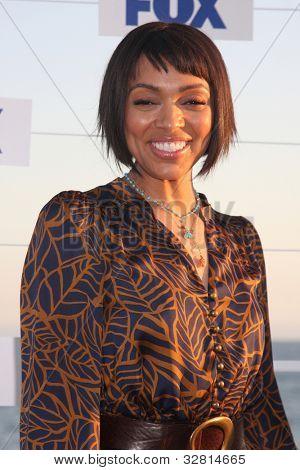 LOS ANGELES - 5 de AUG: Tamara Taylor arribando a la fiesta de FOX TCA verano 2011 en Gladstones Augus