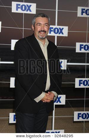 LOS ANGELES - 5 de AUG: Jon Cassar al llegar a la fiesta de FOX TCA verano 2011 en Gladstones el 5 de agosto