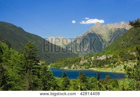 Lake Llebreta