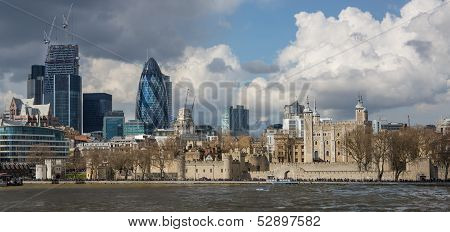 London's Modern And Historic Skyline