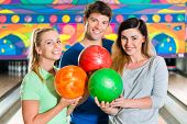 image of bowling ball  - Young people or friends - JPG