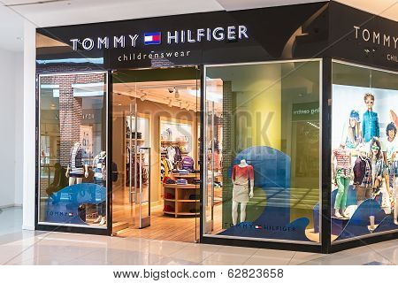 Tommy Hilfiger Children's Store In The Mall Metropolis