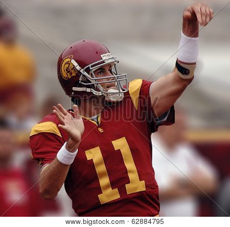 LOS ANGELES – OCT 10: Heisman trophy winning quarterback Matt Leinhart gestures during the game between Usc vs Arizona at the Los Angeles Coliseum on October 10, 2004 in Los Angeles.