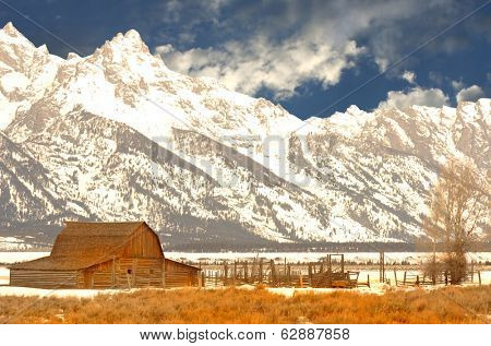 Beautiful Image of the Famous Moulton Barn with the tetons behind
