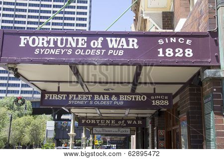 Sydney, Australia-december 19Th 2913: The Fortune Of War Pub In The Rocks District. The Pub Is The O