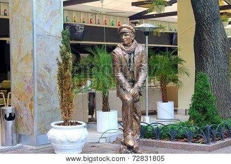 Ostap Bender statue in Odessa