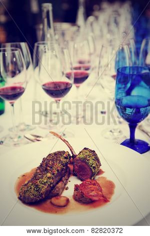 Grilled rack of lamb with mint and pistachio, toned image