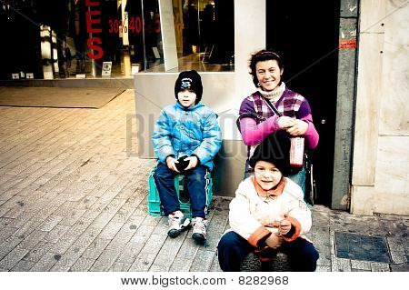 Romanian Immigrants In Athens