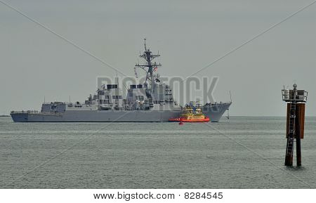 The USS Shoup (DDG-86)
