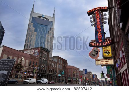 NASHVILLE, TENNESSEE-FEBRUARY 4, 2015:  The AT&T building, also know at the Batman building, looks down over Broadway Street in the heart of Nashville.