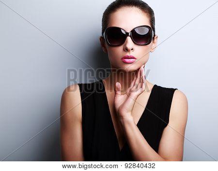 Sexy Fashion Female Model In Trendy Sun Glasses Posing