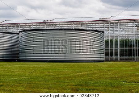 Large Water Tanks For The Storage Of Water For Greenhouses