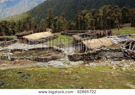 Houses Indian Shepherds Near The Village Chopta