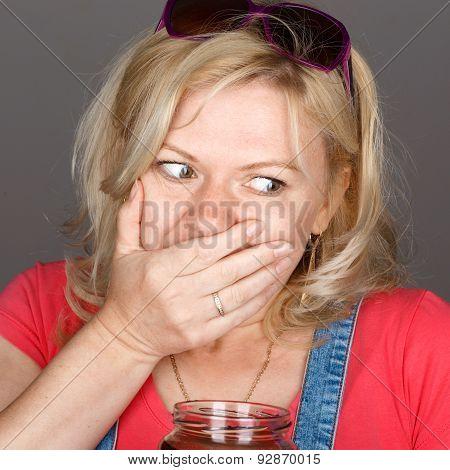 Blonde Woman Caught On Breaking Diet