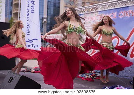 Dancing Girls On May 1 In Rostov-on-don