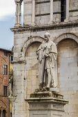 foto of michel  - Statue of Francesco Burlamacchi in Piazza San Michele in Lucca Italy - JPG
